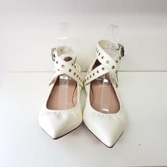 Valentino ヴァレンティノ ラブラッチ バレリーナ フラット - ホワイト Love Latch Ballerina Flats - White