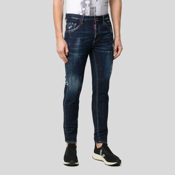 DSQUARED2 ディースクエアード クラシックディストレェストストレートレッグジーンズ Classic Distressed Straight Leg Jeans