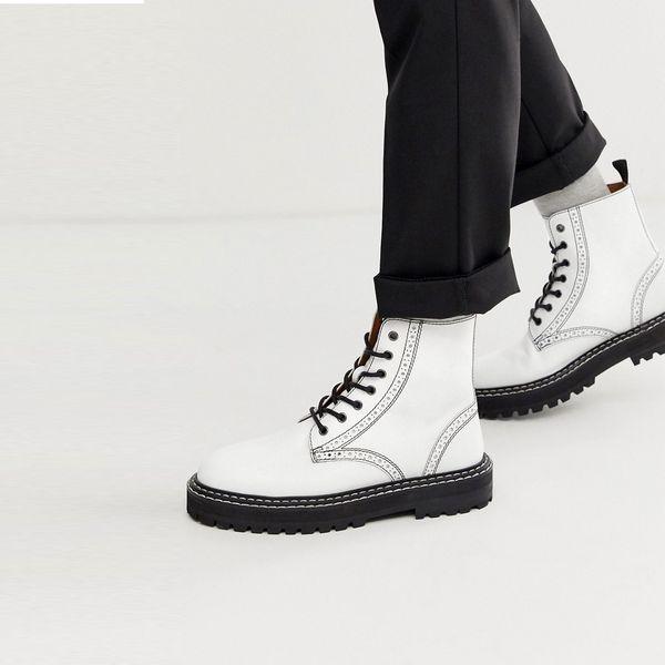 靴 シューズ asos ASOS エイソス メンズ ASOS DESIGN ブラック 分厚い ソール 白い 革 ブローグ ブーツ ひも 締めます 大きいサイズ インポート エクストリームスーパースキニーフィット スウェットパンツ ジーンズ ジーパン 20代 30代 40代 ファッション コーディネート