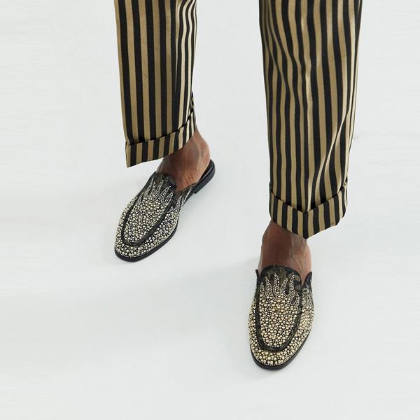 靴 シューズ asos ASOS エイソス メンズ ASOS DESIGN 上 金 宝石 ちりばめられた ディテール ブラック ラバ ローファー 大きいサイズ インポート エクストリームスーパースキニーフィット スウェットパンツ ジーンズ ジーパン 20代 30代 40代 ファッション コーディネート
