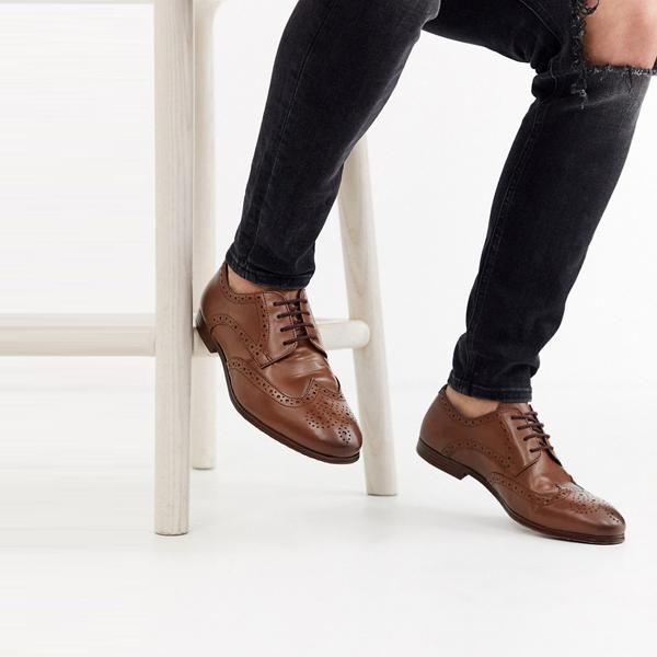 靴 シューズ ASOSセレクト Topman asos ASOS エイソス メンズ Topman 日焼け ブローグ 大きいサイズ インポート エクストリームスーパースキニーフィット スウェットパンツ ジーンズ ジーパン 20代 30代 40代 ファッション コーディネート