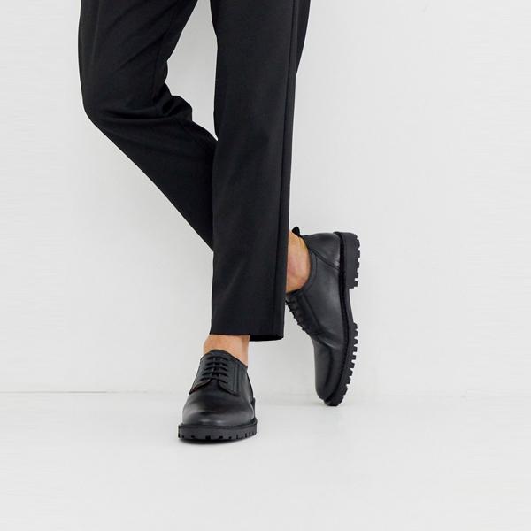 靴 シューズ ASOSセレクト Selected Homme asos ASOS エイソス メンズ Selected Homme ブラック レザー ダービーシューズ 大きいサイズ インポート エクストリームスーパースキニーフィット スウェットパンツ ジーンズ ジーパン 20代 30代 40代 ファッション コーディネート
