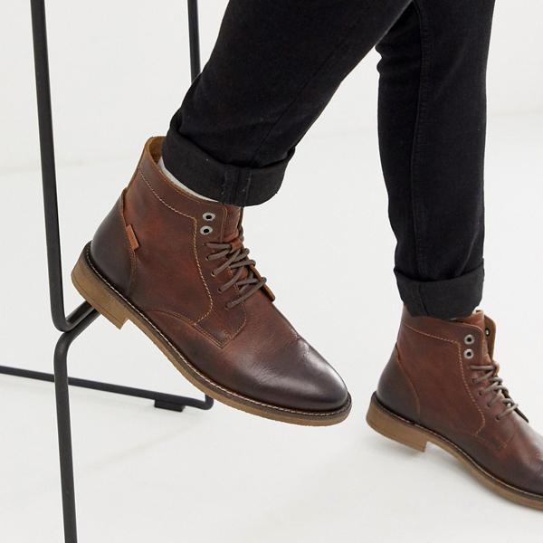 靴 シューズ Levi's リーバイス asos ASOS エイソス メンズ Levi's 茶色 中ボールドウィン 革 ブーツ 大きいサイズ インポート エクストリームスーパースキニーフィット スウェットパンツ ジーンズ ジーパン 20代 30代 40代 ファッション コーディネート