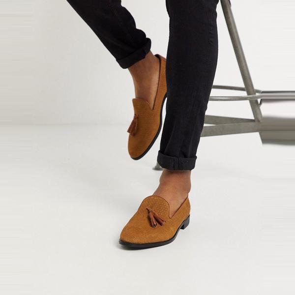 靴 シューズ ASOSセレクト House of Hounds asos ASOS エイソス メンズ 日焼け タッセル ローファー 矢印 大きいサイズ インポート エクストリームスーパースキニーフィット スウェットパンツ ジーンズ ジーパン 20代 30代 40代 ファッション コーディネート