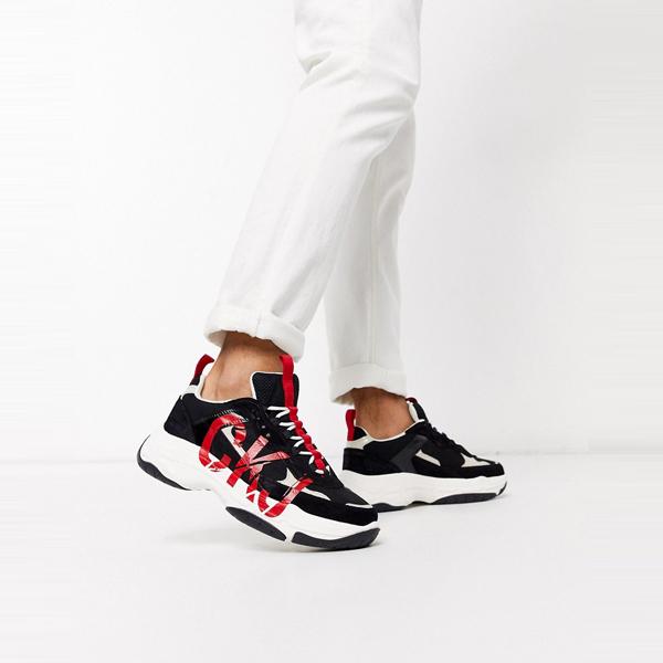 靴 シューズ Calvin Klein カルバンクライン メンズ Calvin Klein ブラック レッド MIZAR トレーナー 大きいサイズ インポート エクストリームスーパースキニーフィット スウェットパンツ ジーンズ ジーパン 20代 30代 40代 ファッション コーディネート