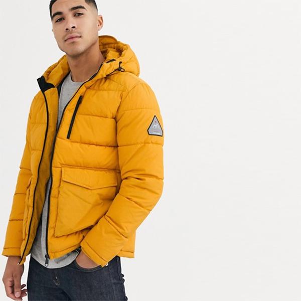 Jack&Jones Originals フード付き フグジャケット 黄色 パッチポケット付き 長袖 20代 30代 40代 ファッション コーディネート オシャレ カジュアル