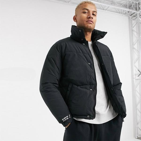 Jack&Jones Core ボクシー パッド入り ジャケット ブラック 20代 30代 40代 ファッション コーディネート小さいサイズから大きいサイズまで オシャレ トレンド インポート