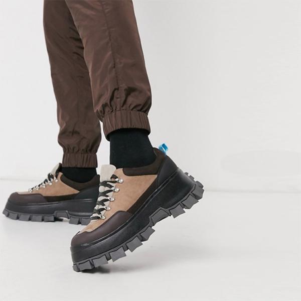ASOS DESIGN レースアップ ハイカー シューズ チャンキー ソール付き ブラウン フェイク スエード 靴 流行 最新 メンズカジュアル