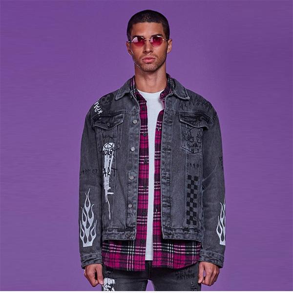 boohoo(ブーフー)メンズ オフィシャル グラフィティ デニム ジャケット 長袖 大きいサイズあり 流行 最新 メンズカジュアル ファッション アウター