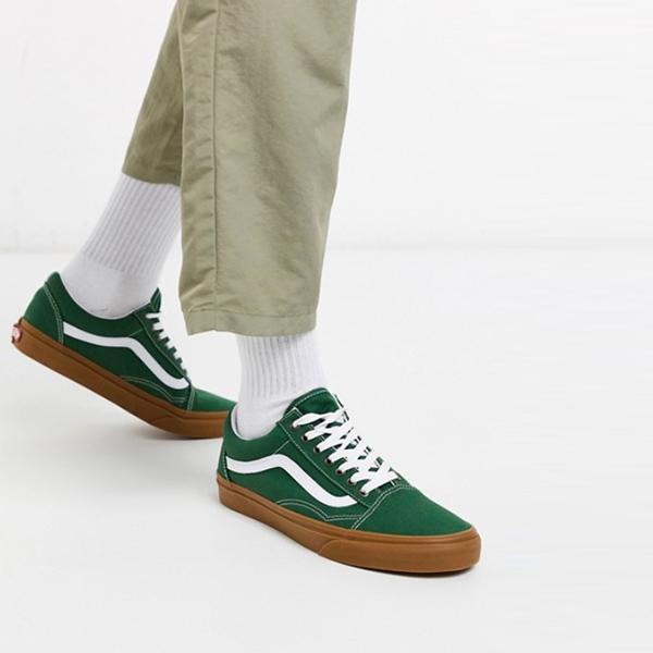 緑 ガム底 Vans Old Skool トレーナー 靴 スニーカー 20代 30代 40代 ファッション コーディネート小さいサイズから大きいサイズまで オシャレ トレンド インポート トレンド