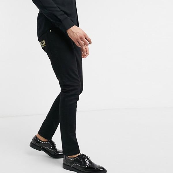 ヴェルサーチ ジーンズ クチュール スキニー フィット ジーンズ ブラック 20代 30代 40代 ファッション コーディネート