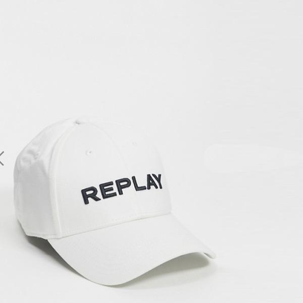 Replay 白 ロゴ ベース ボール キャップ メンズ 20代 30代 40代 ファッション コーディネートオシャレ トレンド インポート トレンド
