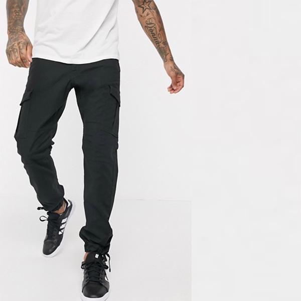 Jack&Jones Intelligence スリム フィット カーゴ パンツ ブラック 20代 30代 40代 ファッション コーディネート 小さいサイズから大きいサイズまで オシャレ トレンド インポート トレンド