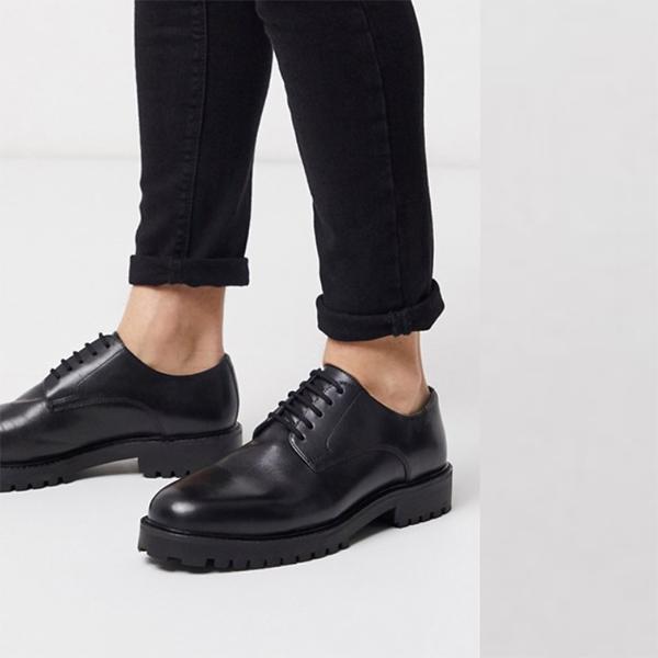 ブラックレザー ロンドンショーン ダービー 靴 20代 30代 40代 ファッション コーディネート 小さいサイズから大きいサイズまで オシャレ トレンド インポート トレンド