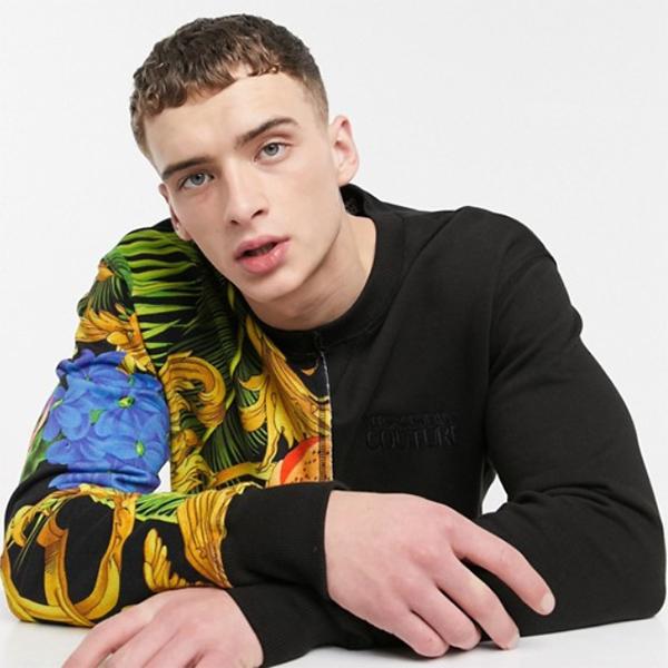 Versace Jeans Couture ブラック ジャングル スプリット プリント セーター 20代 30代 40代 ファッション コーディネート オシャレ カジュアル