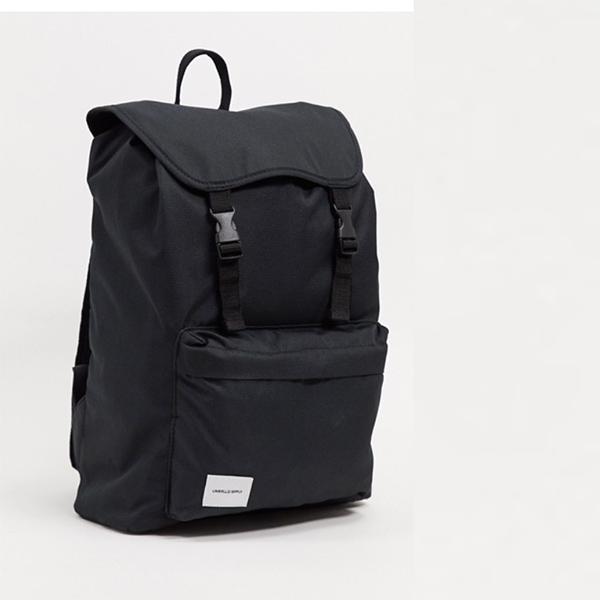 ASOS DESIGN バックパック(ブラック ホワイト ブランド パッチ ダブル ストラップ付き) 20代 30代 40代 ファッション コーディネート オシャレ カジュアル