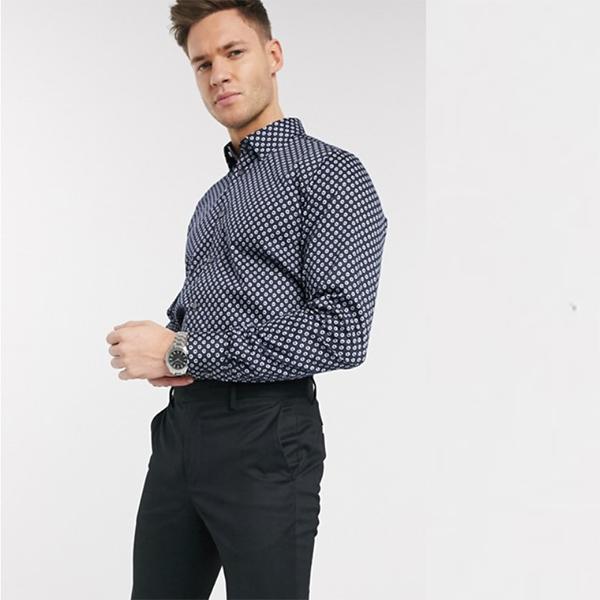 ネイビー ダーク フローラル ドット プリント付き Ted Baker シャツ 20代 30代 40代 ファッション コーディネート 小さいサイズから大きいサイズまで オシャレ トレンド インポート トレンド