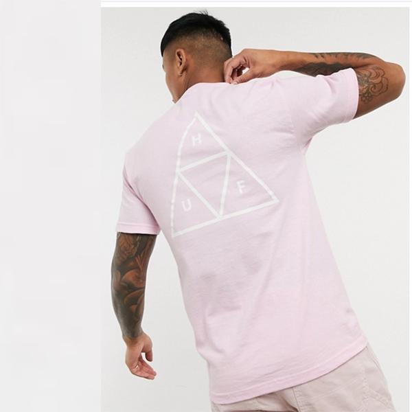 ピンク HUF Essentials トリプル トライアングル Tシャツ メンズ 20代 30代 40代 ファッション コーディネート 小さいサイズから大きいサイズまで オシャレ トレンド インポート トレンド