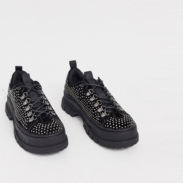 ASOS DESIGNは、全体に宝石のディテールと分厚いソールを備えたグレーベルベットのレースアップシューズ 靴 インポート 大きいサイズ 20代 30代 40代 インポート ブランド