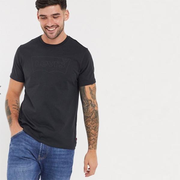 リーバイス Levi's バットウィング ロゴ Tシャツ(ブラックロゴ、ブラック)コーディネート 20代 30代 40代 ファッション コーディネート