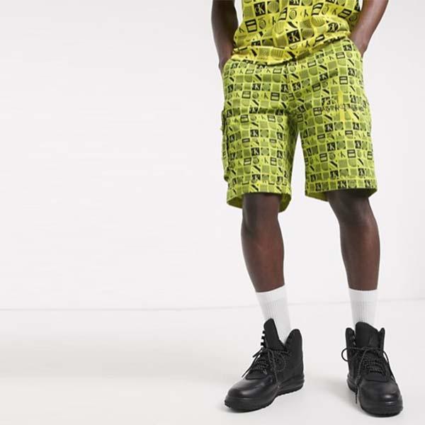 Calvin Klein Jeans レイブパック フライヤー プリントショーツ イエロー メンズ 男性 小さいサイズから大きいサイズまで 20代 30代 40代 ファッション コーディネート