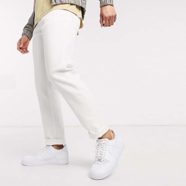 Jack&Jones Intelligence オーガニック コットン コンフォート フィット ジーンズ(ホワイト) メンズ 男性 小さいサイズから大きいサイズまで 20代 30代 40代 ファッション コーディネート