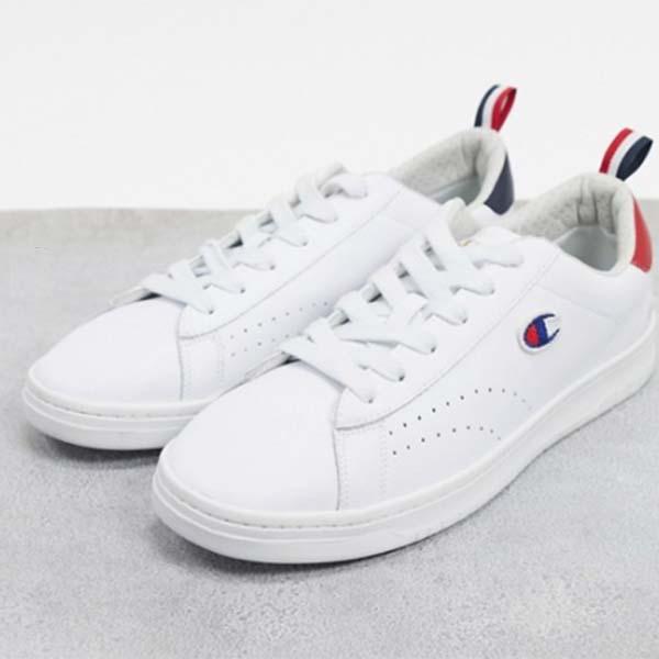 チャンピオン コート クラブ パッチ トレーナー ホワイト 靴 メンズ 男性 小さいサイズから大きいサイズまで 20代 30代 40代 ファッション コーディネート