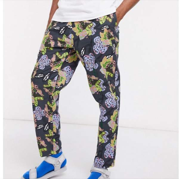 ASOS MADE IN KENYA テーパード フローラル プリント パンツ コーディネート パンツ メンズ 男性 小さいサイズから大きいサイズまで 20代 30代 40代 ファッション コーディネート