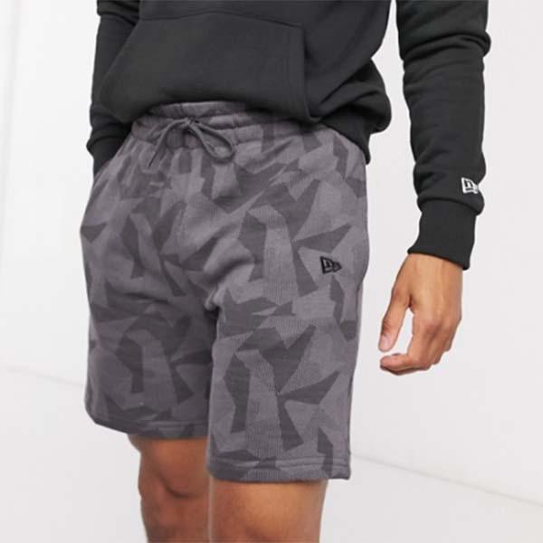 グレー New Era ジオメトリック カモ ショーツ パンツ ボトム メンズ 男性 20代 30代 40代 ファッション コーディネート