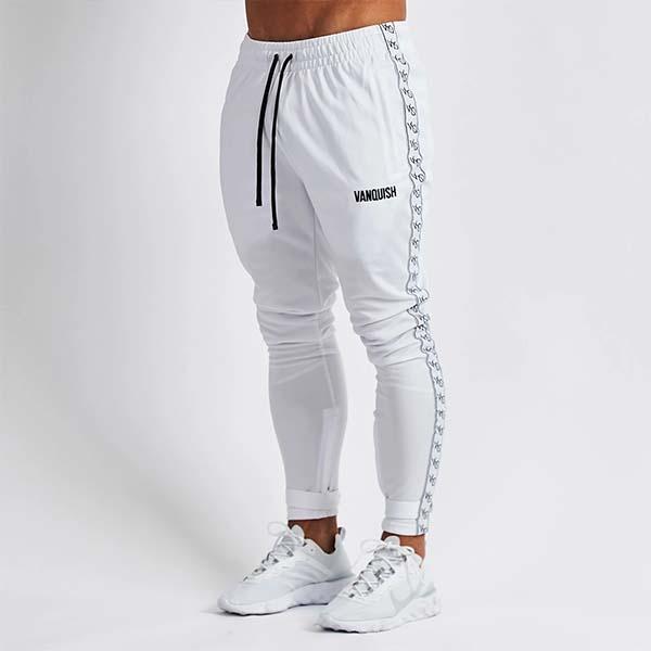 UK発 VANQUISH FITNESS(ヴァンキッシュフィットネス) white テーパードスウェットパンツ スキニー メンズ スキニー ジョガー 大きいサイズ インポート ヴァンキッシュ vanquish fitness ヴァンキッシュフィットネス スポーツウェア ジムウェア 小さいサイズあり 高身長
