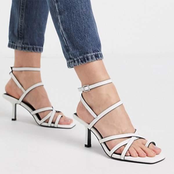 ASOS DESIGN ワイド フィット ホイットル トゥルー プミッド ヒール サンダル ホワイト ファッション 大人可愛い フェス 20代 30代 40代 diva 大きいサイズあり 小さいサイズあり 高身長