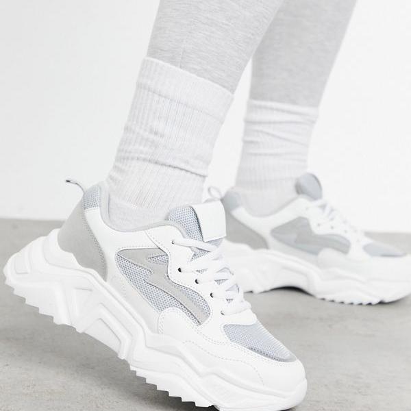 京都のセレクトショップdivacloset ミスガイデッド Missguided グレーのミスガイドフェイクスエードチャンキートレーナー 靴 インポートブランド 直営限定アウトレット 小さいサイズから大きいサイズまで ☆最安値に挑戦 レディース 女性