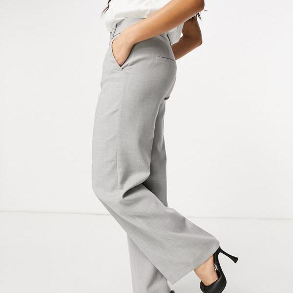 新作入荷 売れ筋ランキング 京都のセレクトショップdivacloset Selected グレーの厳選されたファムワイドレッグパンツ パンツ ボトム インポートブランド レディース 女性 小さいサイズから大きいサイズまで