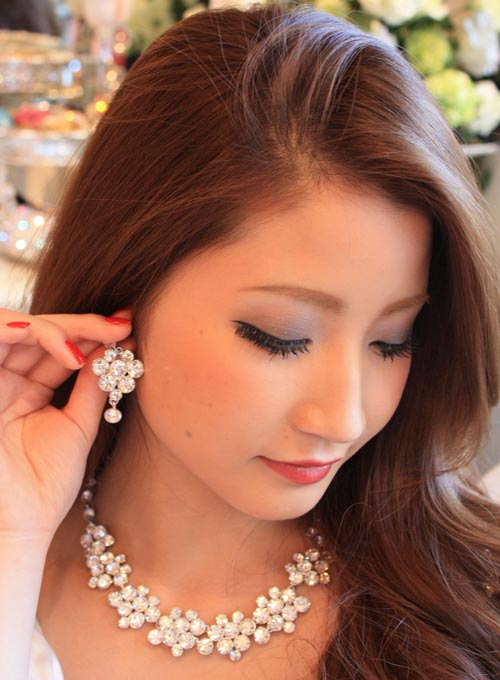 perfect fs01gm * party & wedding wedding accessories ☆ big フラワーモチーフストーンネックレス & piassset Silver Flower large stone