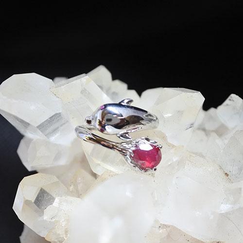 ルビー ドルフィン スターリングシルバーリング イルカの指輪
