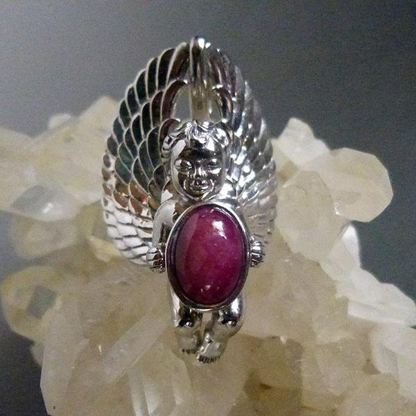 天然AAA大粒アフリカン6レイスタールビー 宝石を抱えるガーディアンエンジェルペンダント ロジウム加工 スターリングシルバー天使のジュエリー