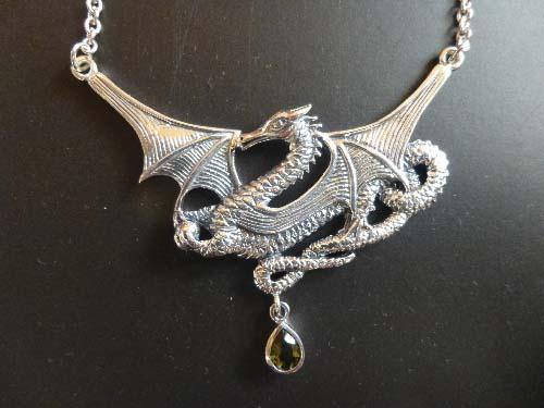 大きな美しいドラゴンwith モルダバイトジェムストーン スターリングシルバーネックレス♪プロテクションとアバンダンスのパワーアニマル  龍 K.Angel's