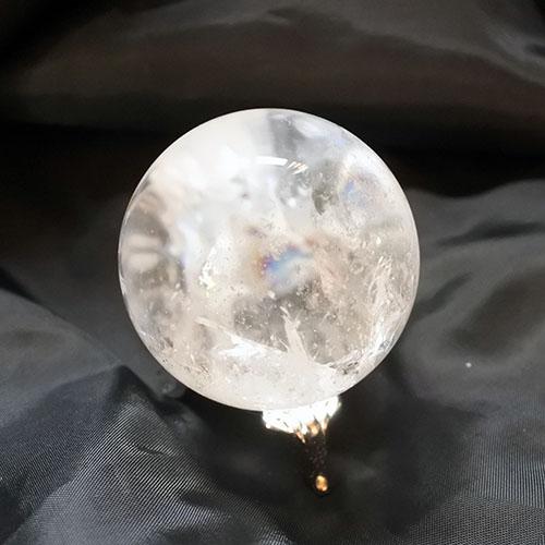 クリアクォーツスフィア44ミリ レインボー入り水晶球125グラム