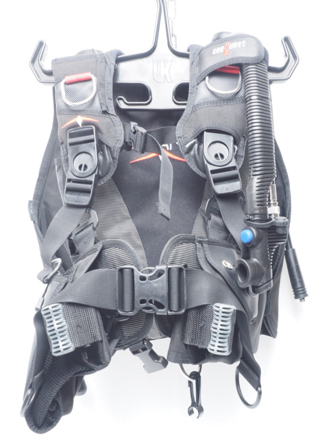 USED SeaQuest シークエスト BALANCE バランス バックフロートBCジャケット サイズ:S 専用中圧ホース付 オーバーホール済 [41154]