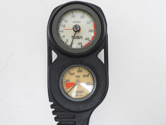 USED TUSA ツサ SCA-690 3ゲージ (残圧計+水深計+コンパス) オーバーホール済 [41209]