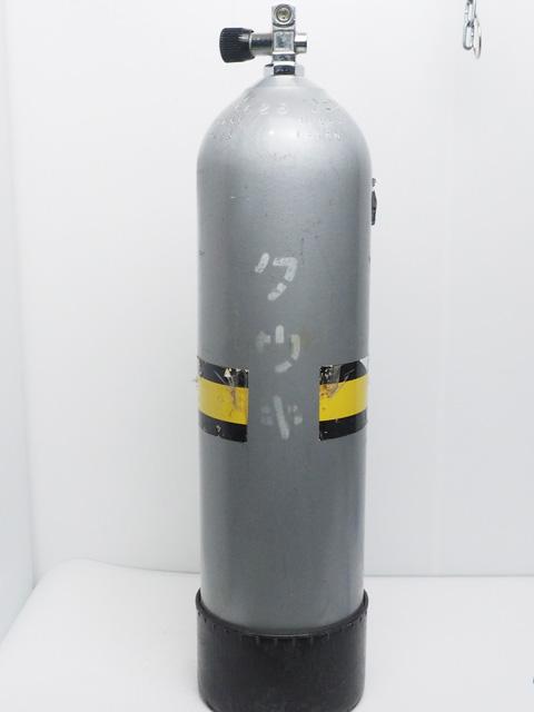 USED 11L ダイビング用タンク 200気圧 [41305]