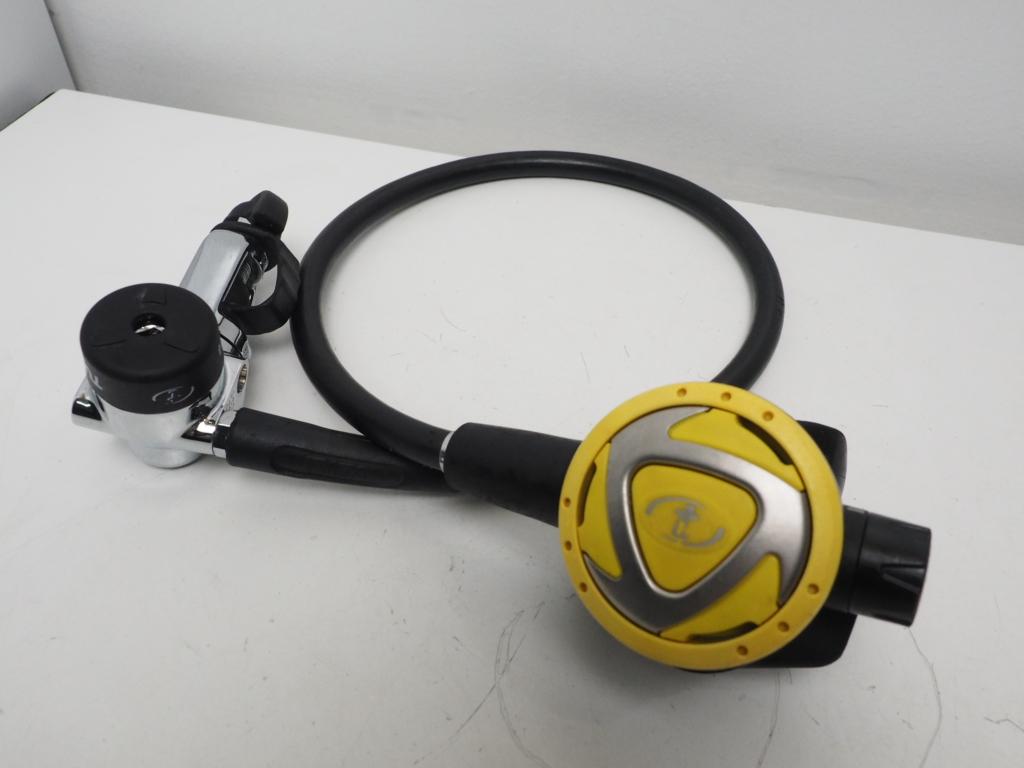 USED TUSA RS-230 レギュレター ランクA [34886]