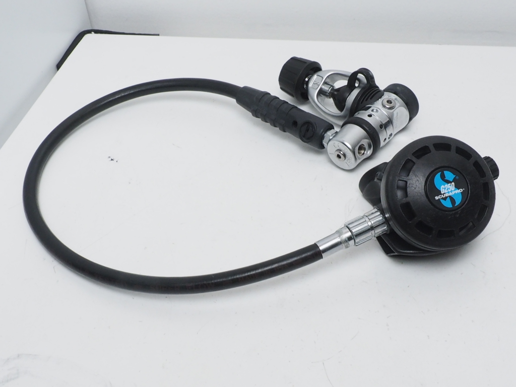 USED SCUBAPRO MK20/G250 レギュレター [37342]
