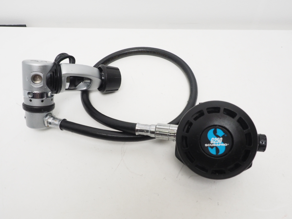 スキューバプロ OH済 USED SCUBAPRO [35130] レギュレター ランクA MK15/G250