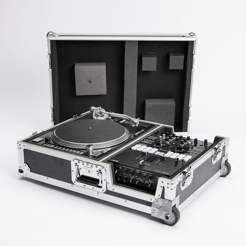 MAGMA SCRATCH SUITCASE