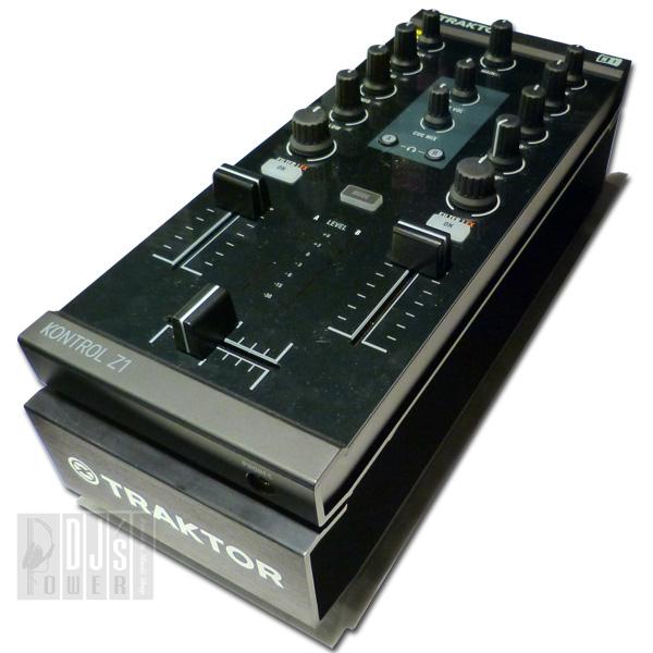 Native Instruments TRAKTOR KONTROL Z1 + KONTROL STAND SET
