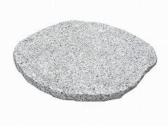 天然みかげ石の個性的な形です 和風のお庭づくりに… 飛石 選択 アクセントに 和風庭園 天然御影 超定番 送料別 庭づくり みかげ楕円石 大