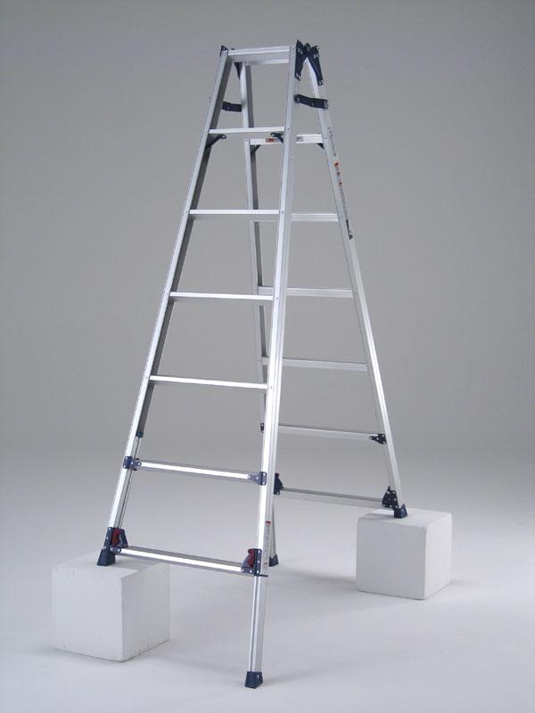【代引不可】 ピカ 四脚アジャスト式脚立専用脚立 《 SCL-240A 》8段(天板含) 『かるノビ』