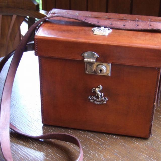 アンティーク ショルダー バッグ イギリス レザー 革 カバン ディスプレイ 父の日 プレゼント