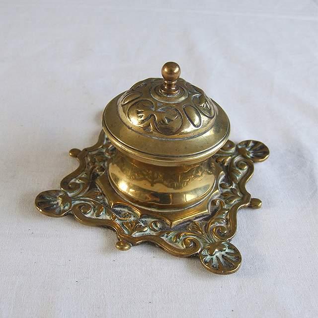 アンティーク ケース イギリス 小物入れ ミニケース 激安特価品 ディスプレイ 灰皿 インテリア 母の日 真鍮製 買い取り ピルケース プレゼント